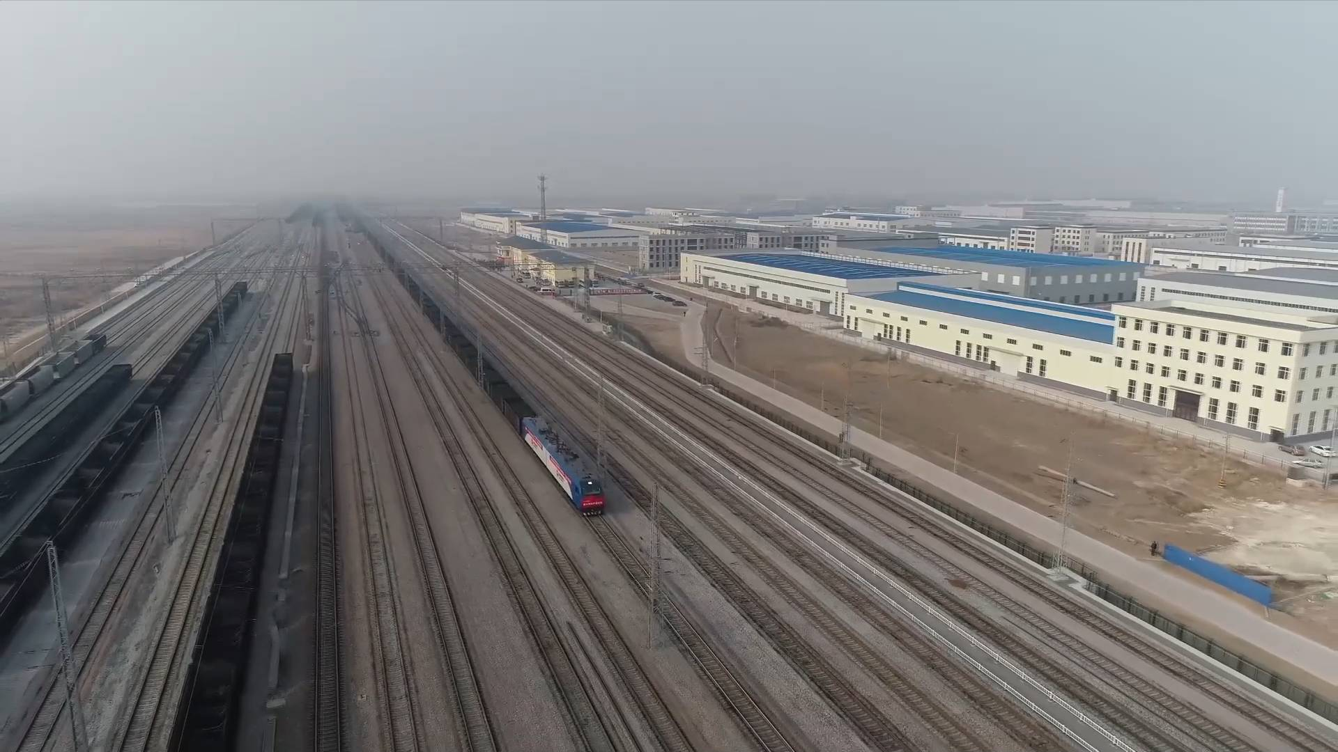 New coal-transporting railway put into service in China