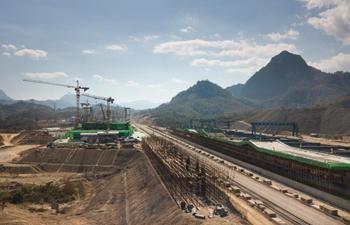 China-Laos railway tracks laid to Luang Prabang, achieving yearly goals