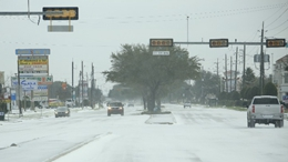 GLOBALink | U.S. state of Texas out of water, food amid massive blackouts