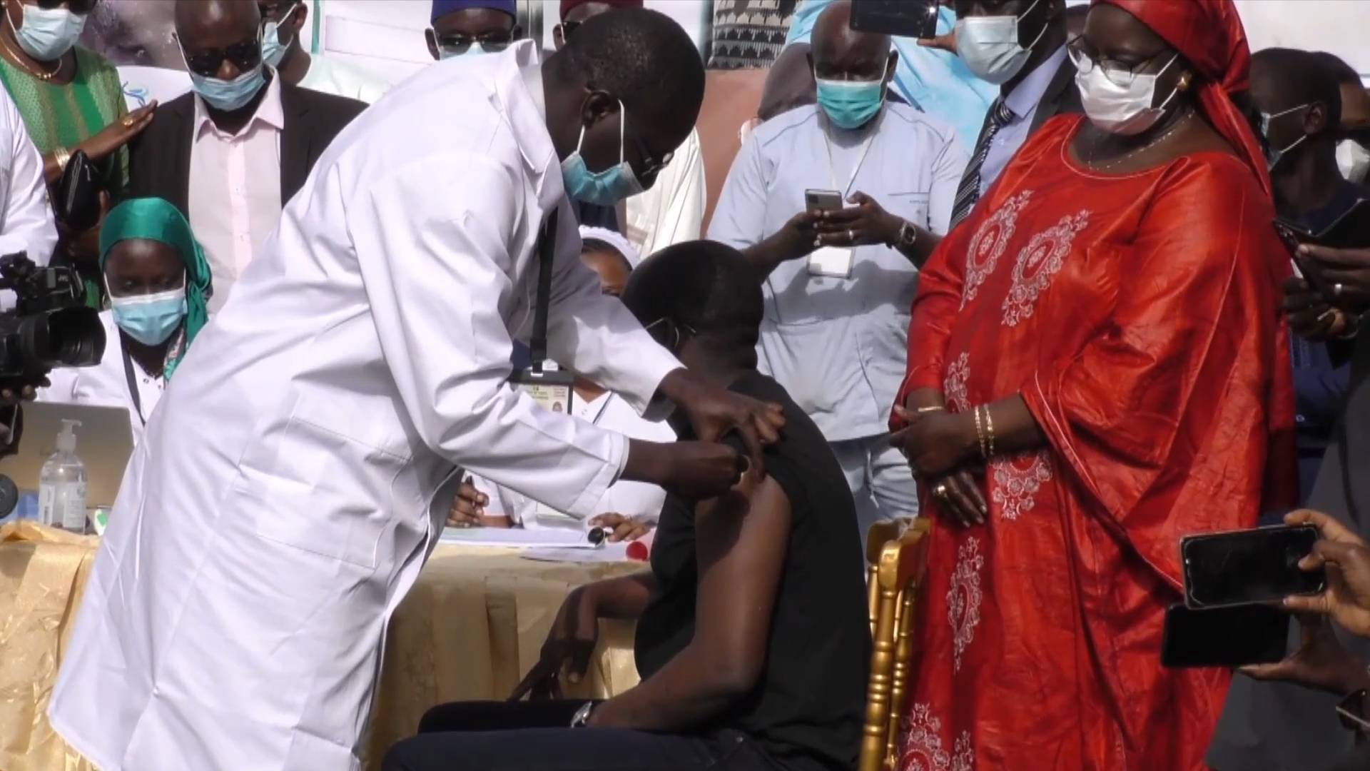 GLOBALink | Senegal kicks off COVID-19 vaccination campaign with China's Sinopharm vaccine