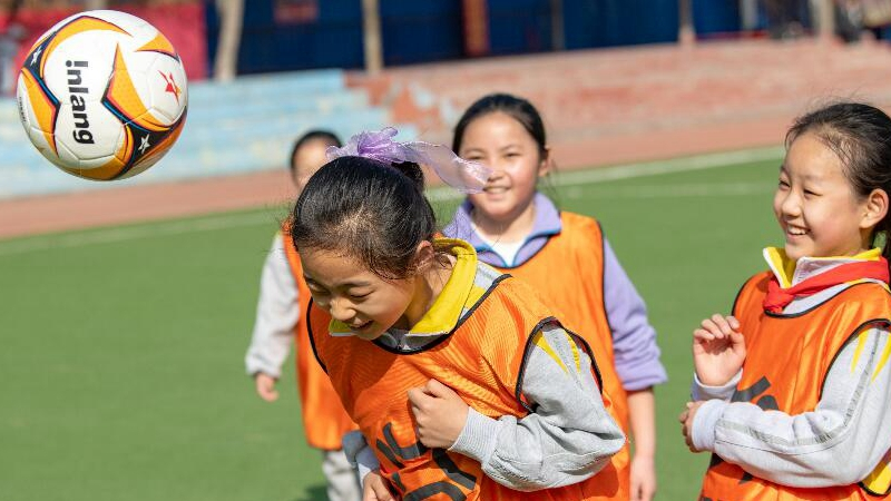 GLOBALink | Girls pursue football dream in NW China's Xinjiang