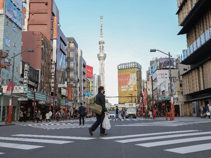GLOBALink | Japan's Tokyo, Kyoto, Okinawa tighten virus measures amid COVID-19 resurgence