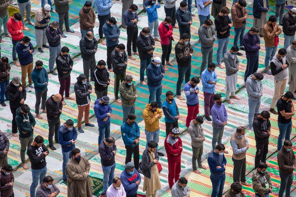 Muslims offer their prayers on first day of holy month of Ramadan in Srinagar city
