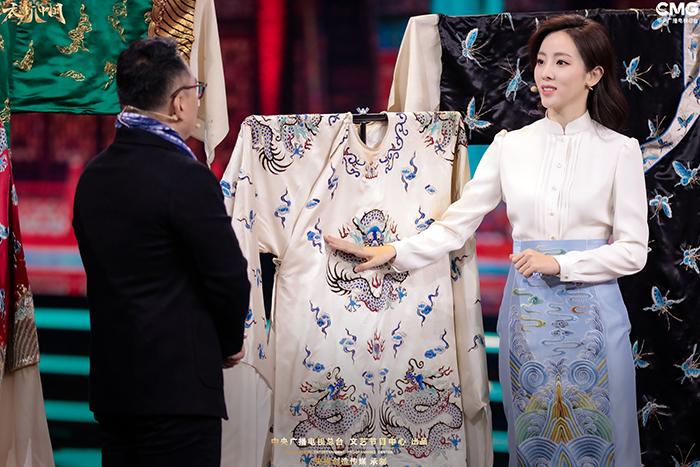 【天顺注册】李思思:不追随、不依附成就女性之美