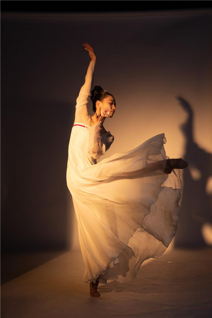 《舞蹈风暴》华宵一:你压得越低 才知道自己弹得有多高