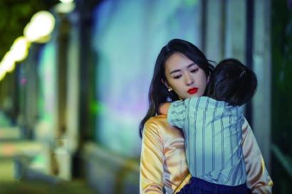 李佳琦与李子柒审美风格与范式的输出 彰显治愈力量