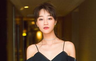 藍盈瑩最新寫真笑露香肩 俏皮動感電力十足