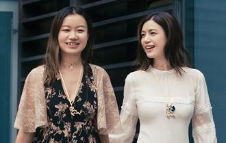 陳妍希白衣清逸出街 閨蜜相伴演繹夏日俏皮范