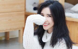 方安娜初冬時尚大片 素雅溫暖魅力十足