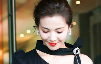 微微一笑很傾城 劉濤低眉淺笑從容大氣