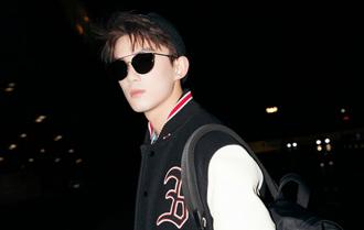 吳磊赴米蘭出席品牌活動 夜行機場青春活力