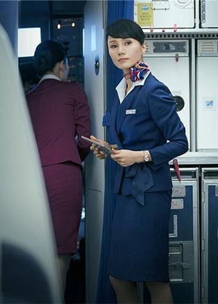 《中國機長》袁泉飾乘務長展現民航精神