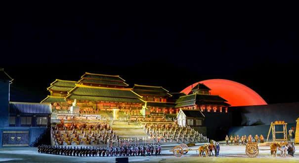 大型實景神話音樂劇《昆侖之約》在烏魯木齊上演