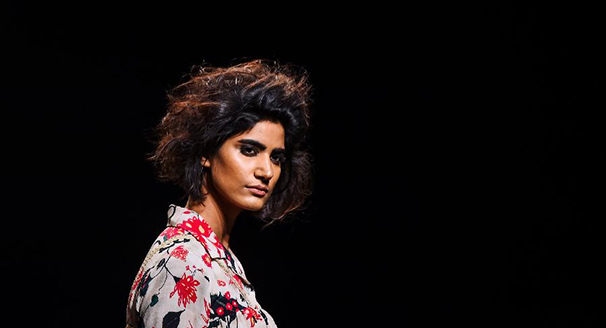 印度时装周——设计师亚伯拉罕与塔科尔时装秀
