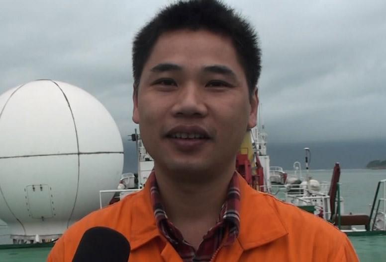 韋成龍介紹南海雙船地震調查成果