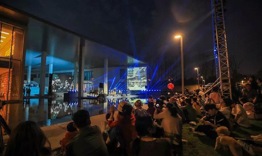 看展观影生活市集,这里承包了整个杭城的文艺