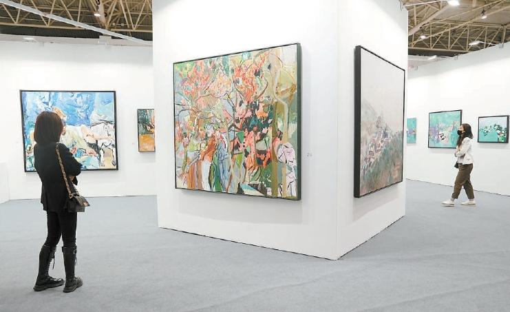 """今年""""五一"""",艺术北京博览会回归,三源里菜市场变""""网红"""""""