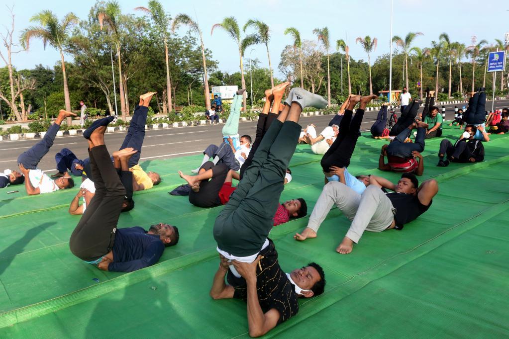 国际瑜伽日|瑜伽日 练瑜伽