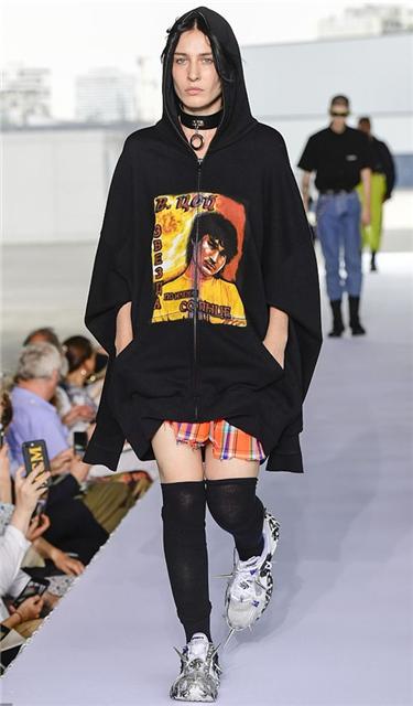 2019春夏巴黎時裝周:Vetements 品牌秀場