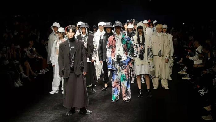 上海時裝周如何躍居全球時尚産業指數第四