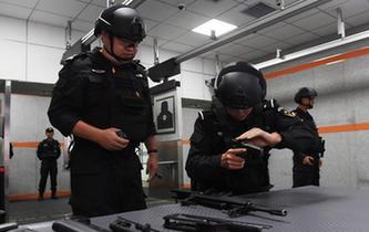 蘭州鐵路特警進行實戰對抗訓練