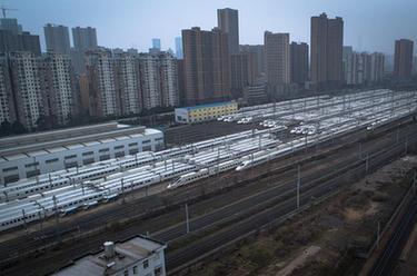 武漢:停擺的列車