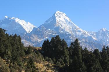 尼泊爾徒步勝地普恩山上的早晨
