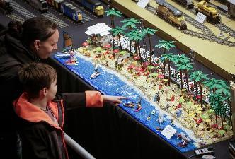 溫哥華舉行樂高積木展
