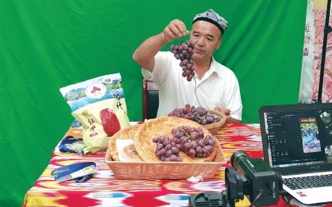 吐魯番:特色瓜果開發展現市場活力