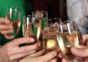 少量飲酒也會增加患癌症的風險