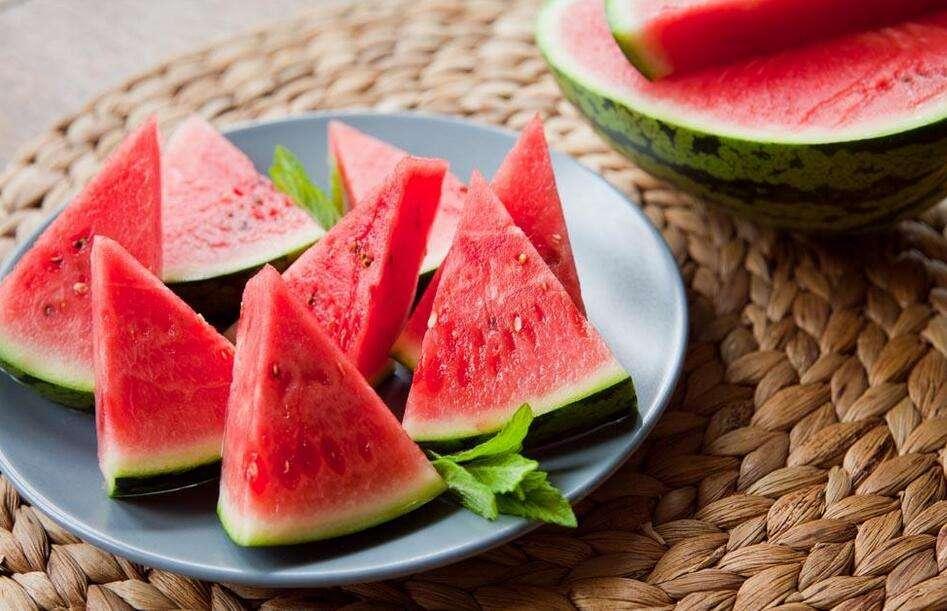 今年桃价涨两成 进口水果消费多