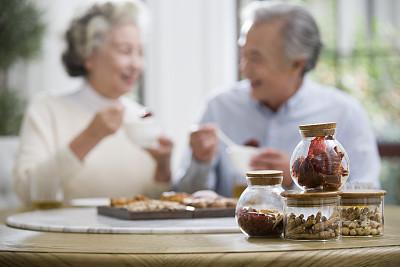 """老年人飲食應做到十個""""宜"""""""