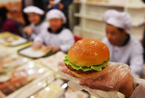 中國食品辟謠聯盟推薦作品獲中國互聯網辟謠創意短視頻獎