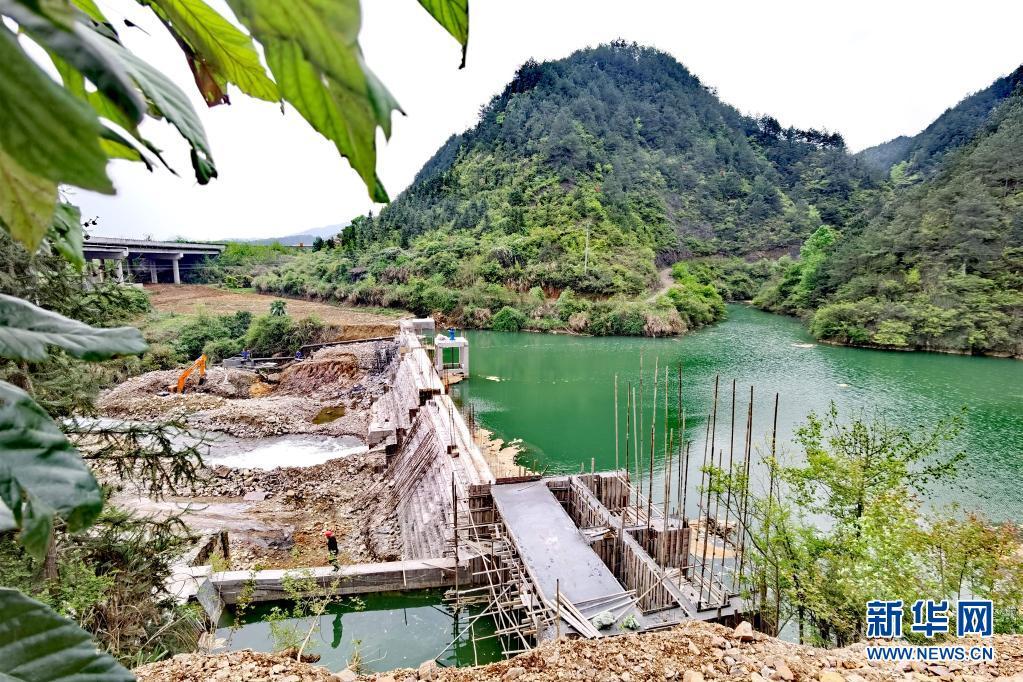 长江经济带小水 电站清理整改记