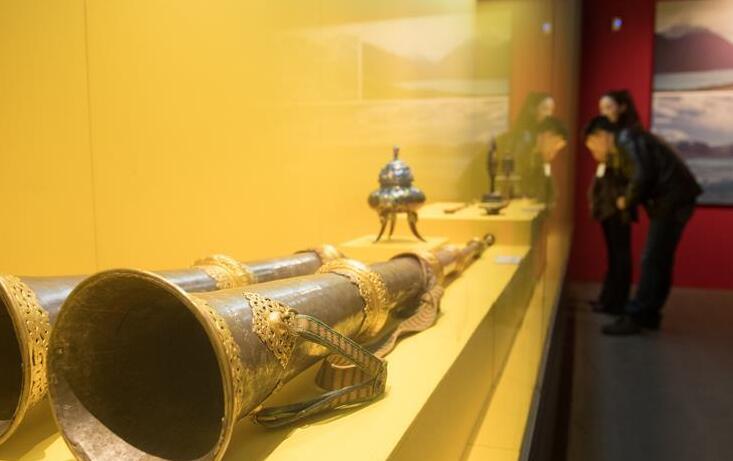 西藏文物珍品亮相西子湖畔