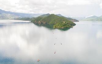 瀘沽湖美景如畫