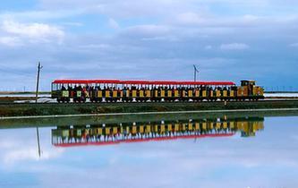 """航拍九月的茶卡鹽湖:""""天空之鏡""""美妙絕倫"""