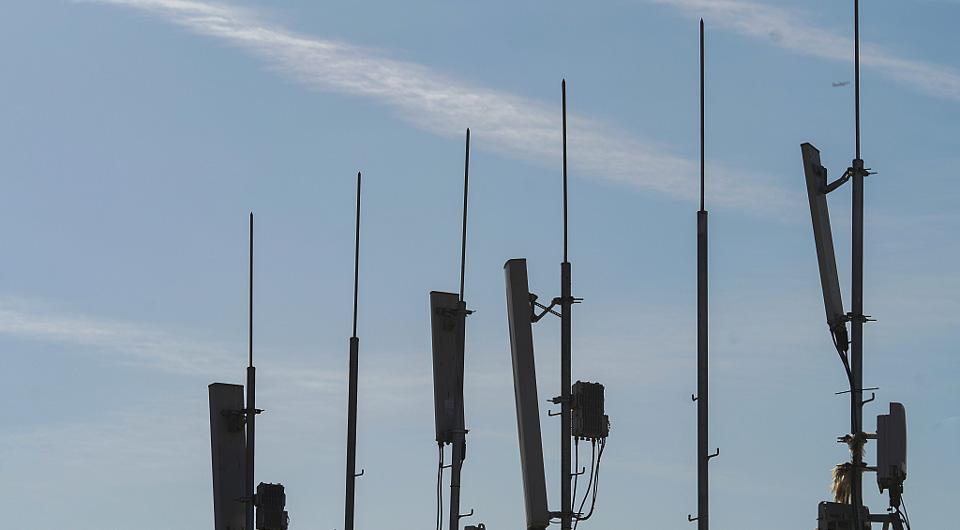 苗圩:加快推進制造強國和網絡強國建設 保持工業通信業平穩健康發展