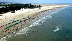 北海銀灘遊人多