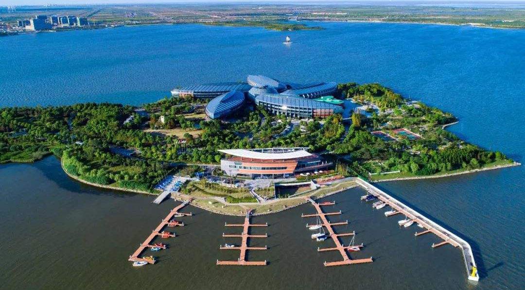上海自贸区临港新片区揭牌一年来引资逾2700亿元
