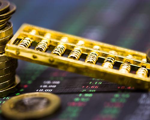 """国际金价创逾7年新高 """"股期""""两市表现抢眼"""