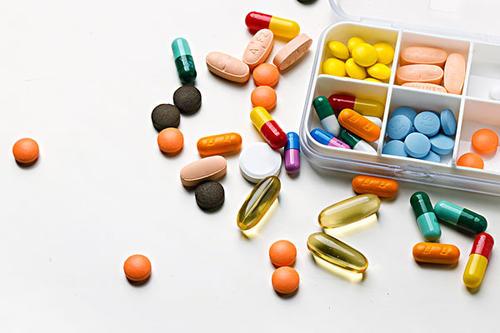 吃药靠掰、用量靠猜……儿童用药困局该如何破解?