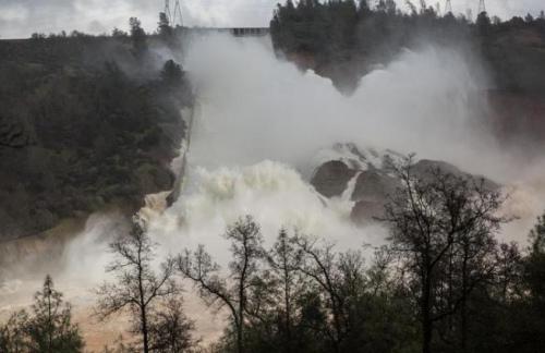 美最高水壩或潰壩逾10萬人緊急撤離:缺口已堵住