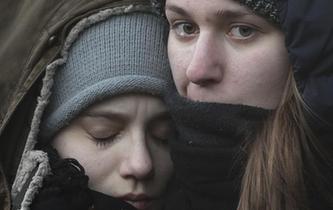 俄抓捕8名地鐵爆炸案嫌疑人 民眾舉行大規模悼念活動
