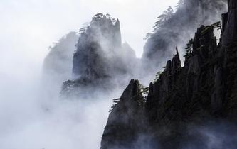 安徽黃山雲海佛光景觀齊現
