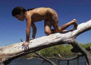 亚马逊巨蟒活吞美女