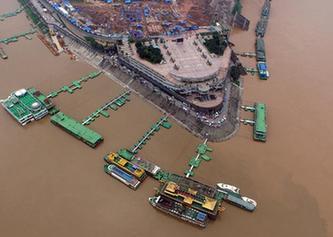 最大洪峰過境後的重慶城