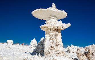 光影下美妙無窮的鹽世界 奇特無比的鹽晶花令人嘆為觀止