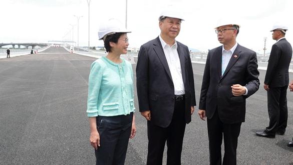 習近平考察香港重要基礎設施建設項目