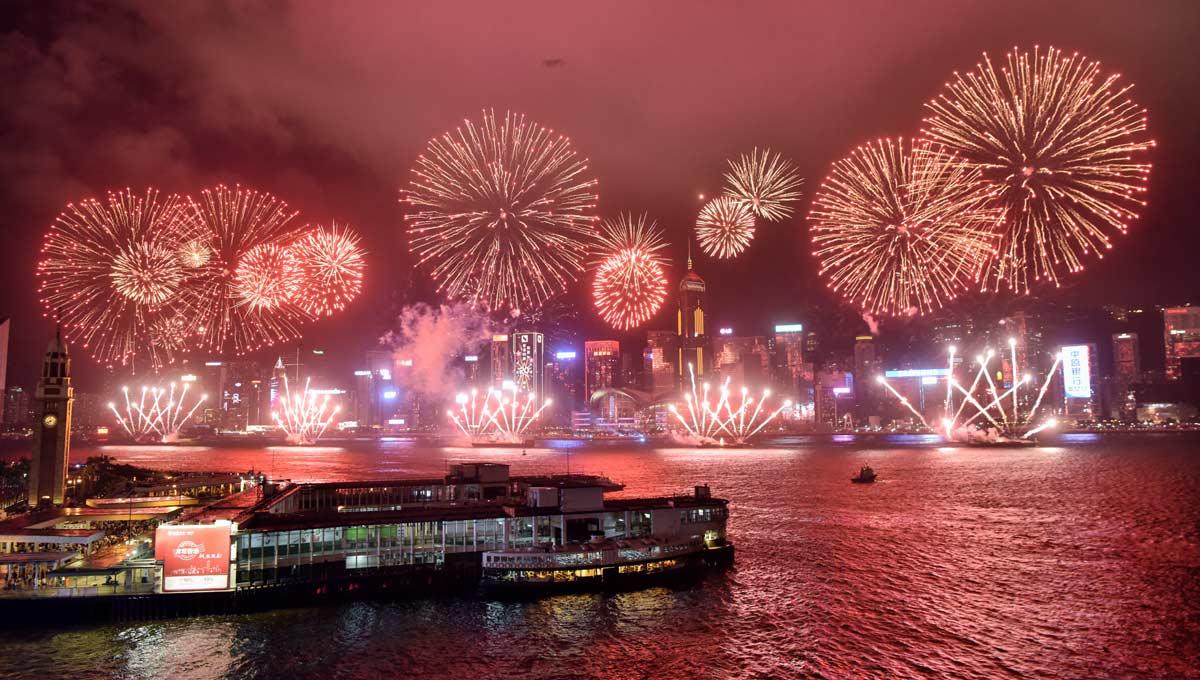 香港舉行慶祝回歸20周年煙花匯演